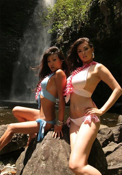 sexy-tera-patrick-and-lucy-outdoor-photshoot